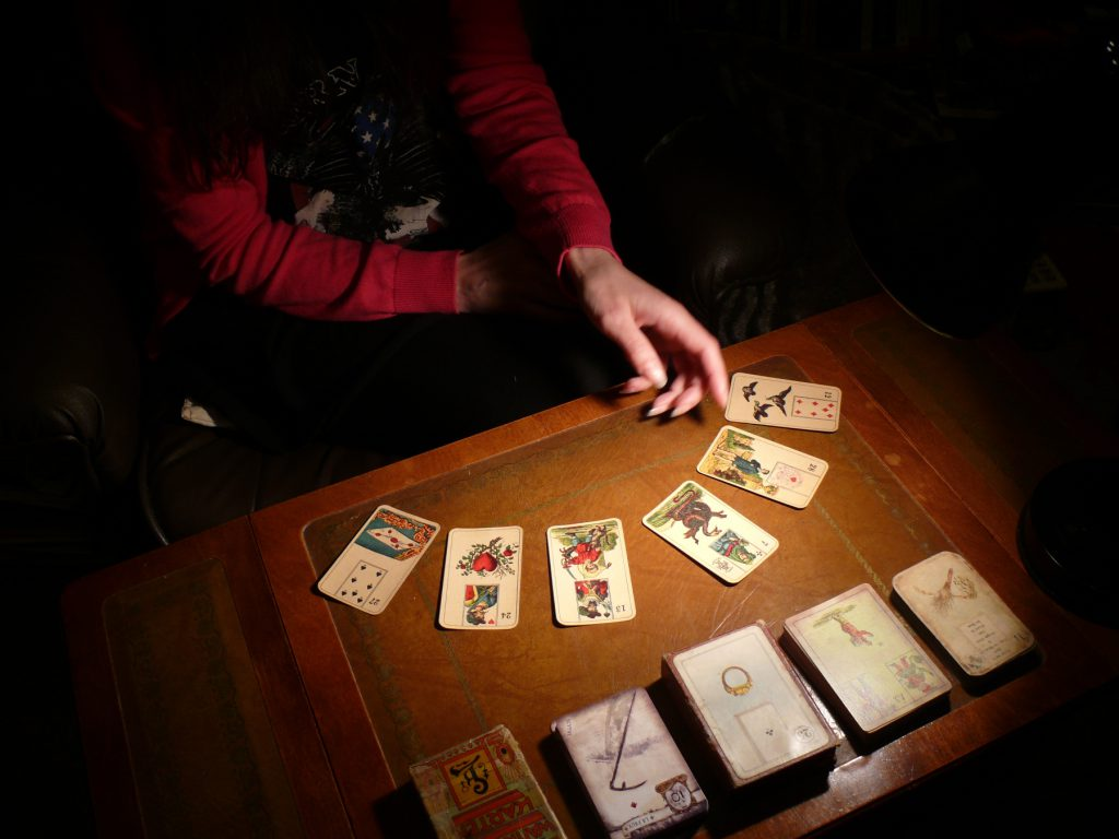 What all the Newbie Tarot Readers Must Know